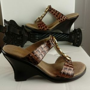 DrScholls faux alligator Brown wedge heel slides